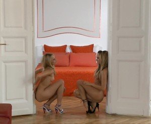 A doorable babes - Blue Angel &